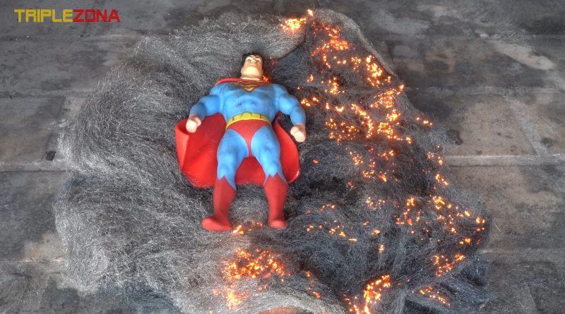 Strech Superman vs lana de acero ardiendo