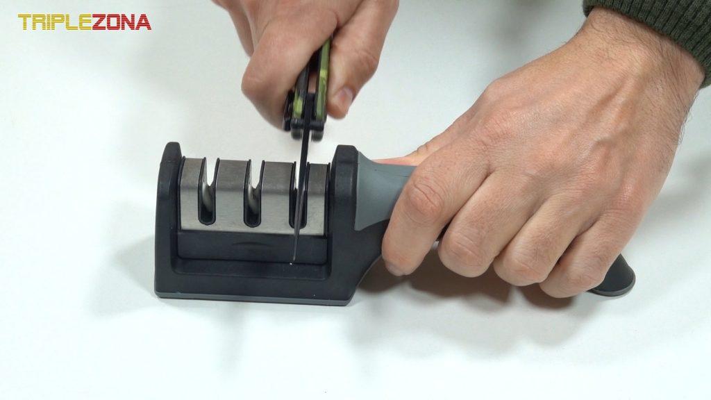 Afilar cuchillo con afilador de 3 etapas