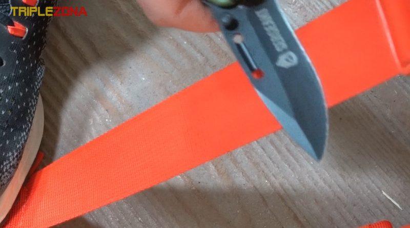Afilar cuchillo con cinta de mochila