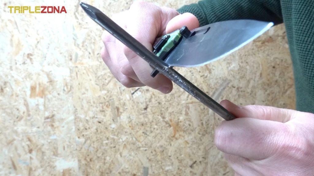 Desafilar cuchillo con clavo de hierro