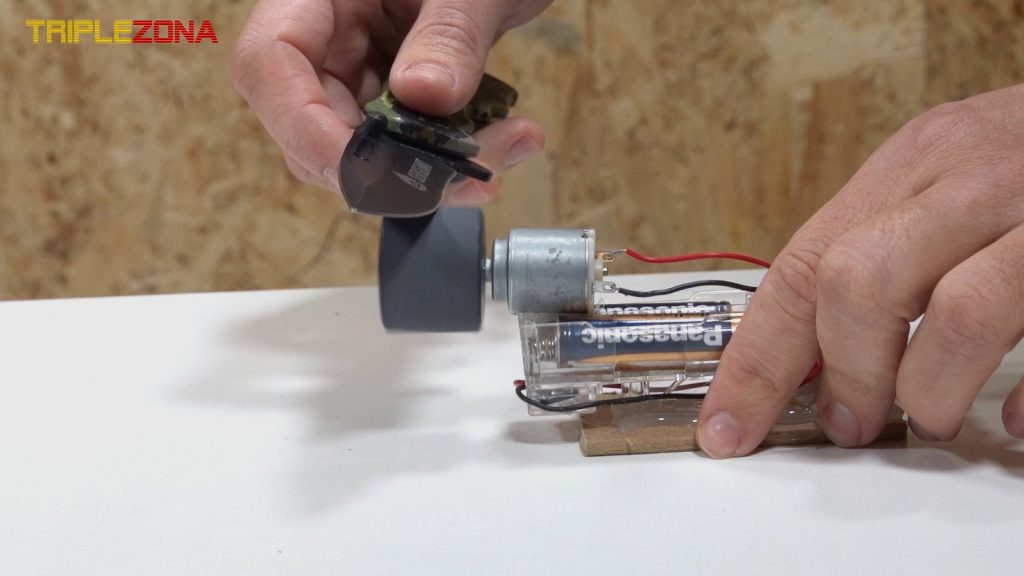 Fabricando un afilador con 2 tapones