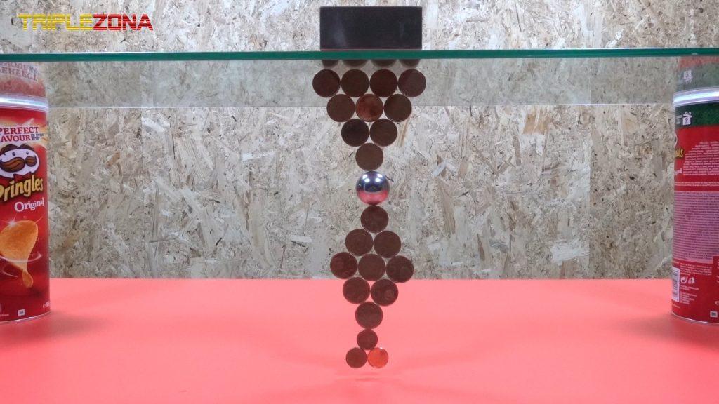 Realizando figuras con monedas e imanes 2