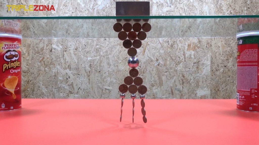 Realizando figuras con monedas e imanes 1