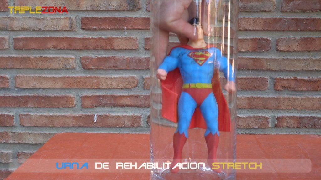 Stretch Superman en urna de rehabilitacion