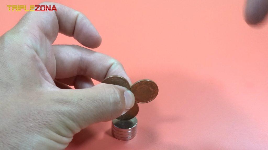 Uniendo monedas imantadas motor homopolar