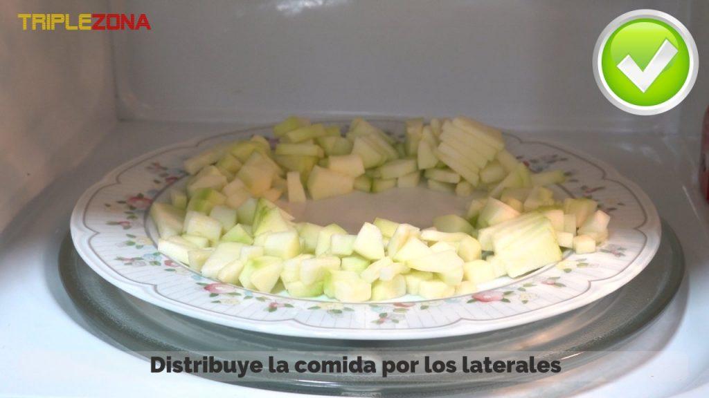 Forma correcta de calentar comida en un microondas